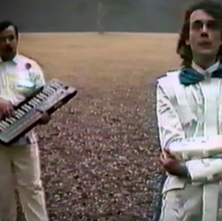 Альянс отреставрировал клип на самую известную песню