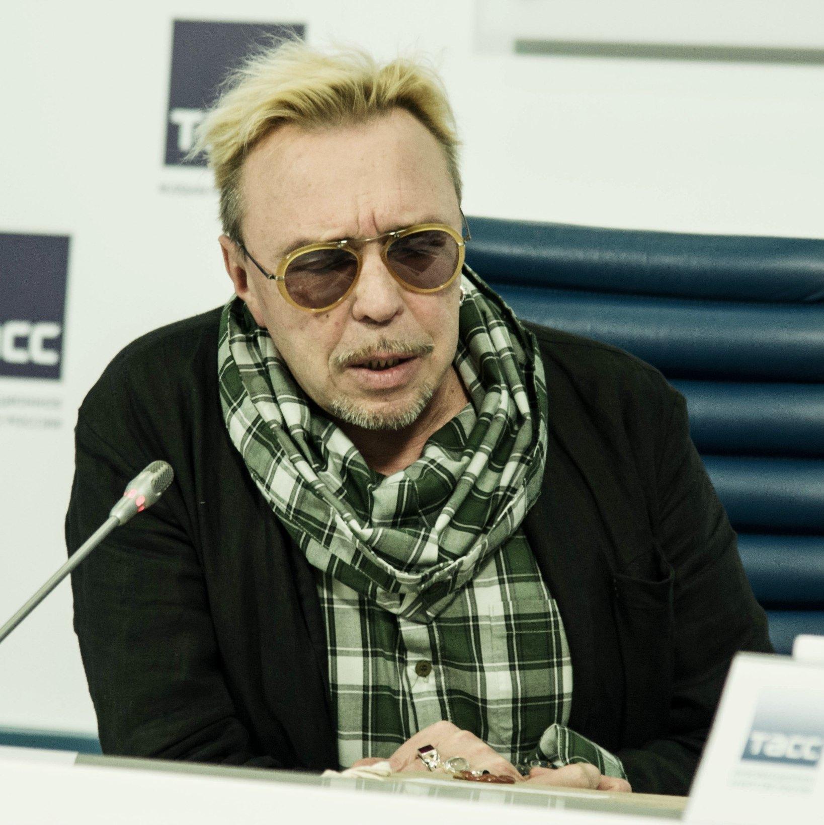 Гарик Сукачёв представил антологию Бригады С