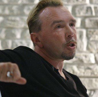 Гарик Сукачёв споёт песни Владимира Высоцкого на Первом канале