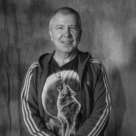 """Алексей Романов выпустит фильм-концерт, записанный на """"квартирнике"""""""