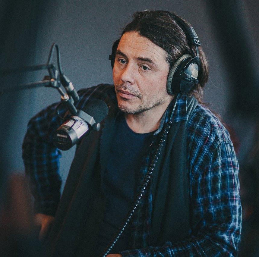 Дмитрий Ревякин поделился очередным треком с сольного альбома