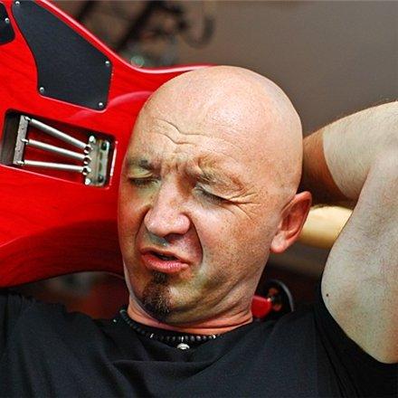 Стало известно имя нового гитариста Машины времени