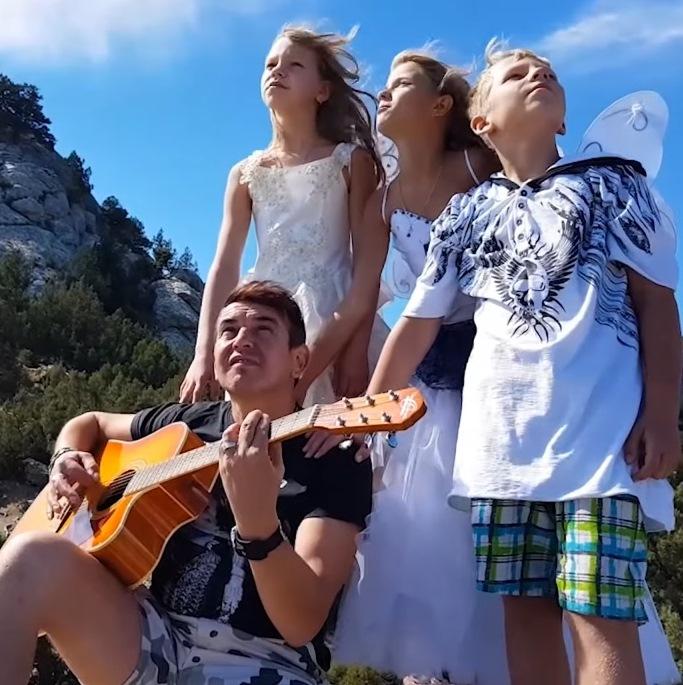 7Б представили альтернативную версию клипа на старую песню
