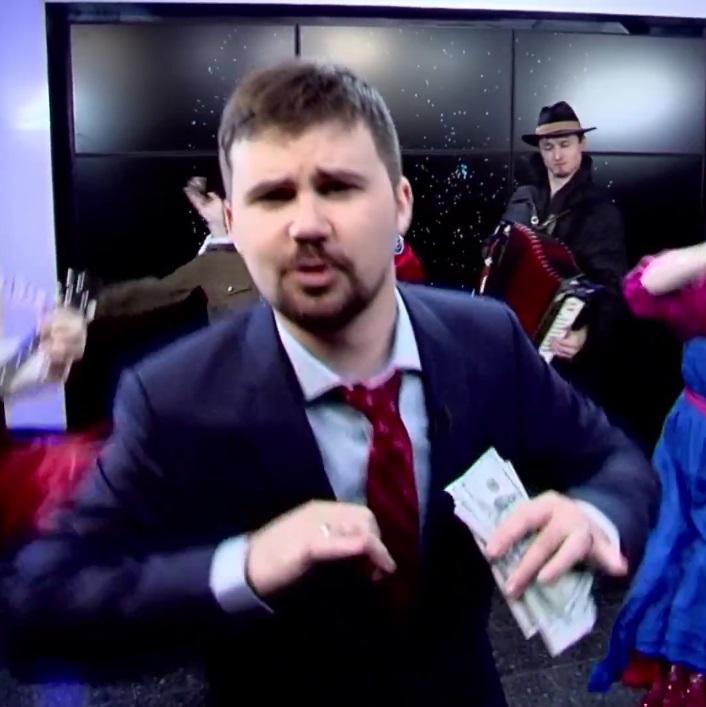 Вася Обломов снял клип о паралелльном мире