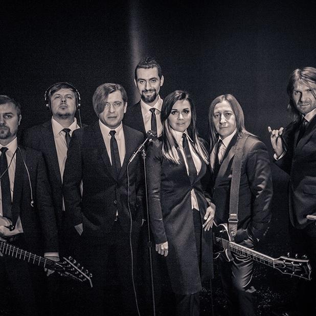 Анастасия Заворотнюк стала бэк-вокалисткой Би-2 в новом клипе