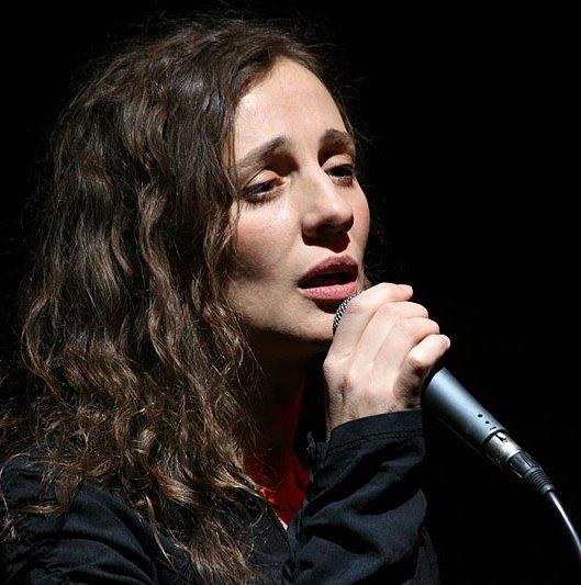 Ольга Арефьева сняла клип на песню 2010 года