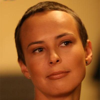 Юлия Чичерина показала первую серию сказочного альбома