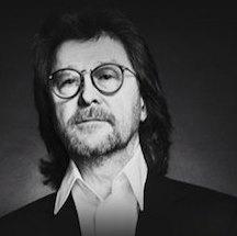 Александр Кутиков показал в Москве сольную программу