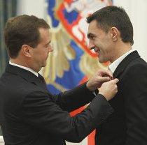 Президент России наградил Вячеслава Бутусова